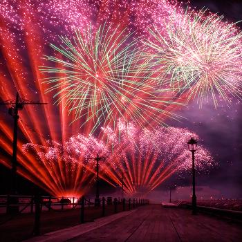 International_fireworks_2_b